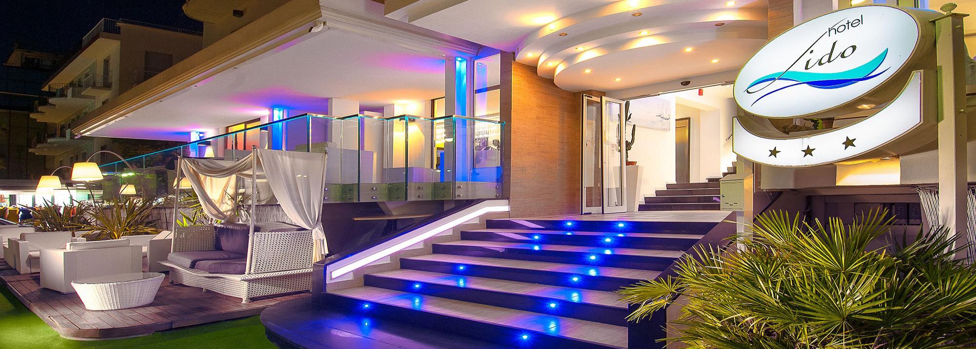 Hotel Lido Cattolica Ingresso Hotel di sera