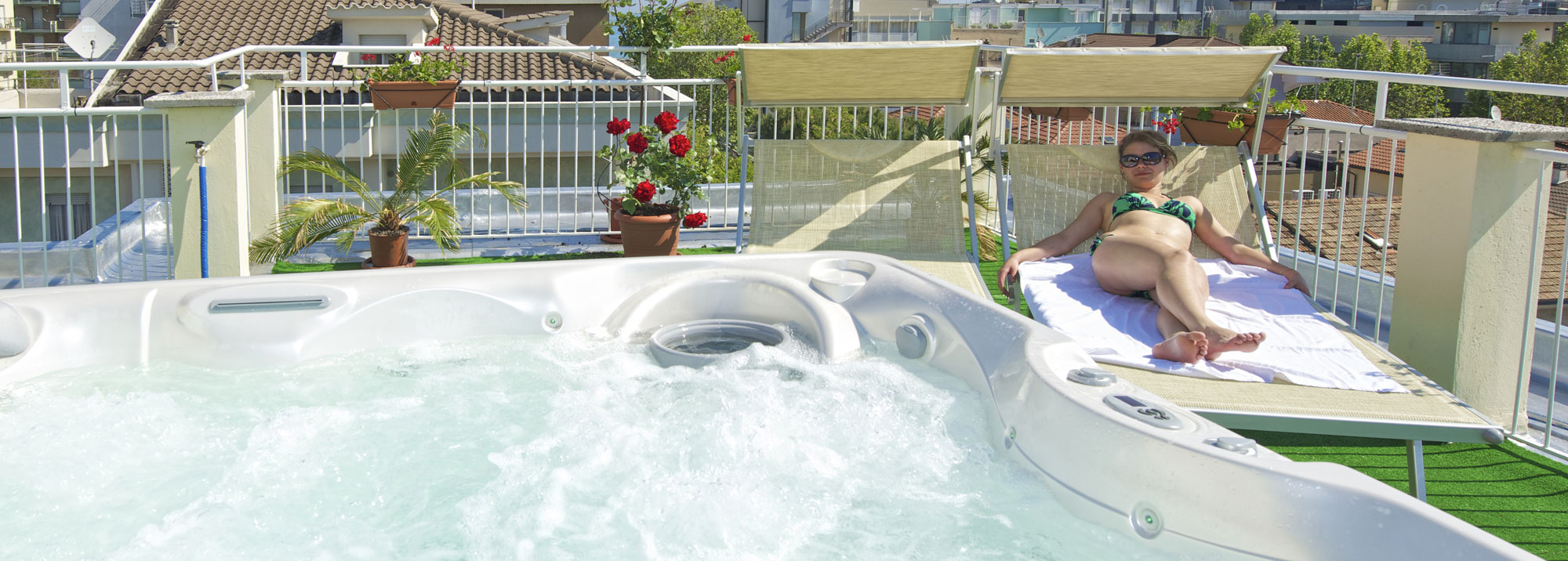 Hotel Lido Cattolica con piscina idromassaggio