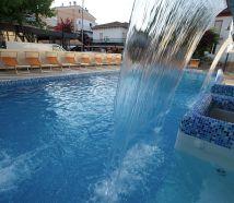 Hotel Lido Cattolica con piscina cascata