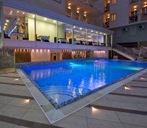 Hotel Lido Cattolica piscina di sera illuiminata