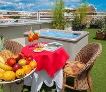 Hotel Cattolica con vasca idromassaggio in terrazza